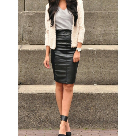 2969f35936cfe Maxima Leather Pencil Skirt